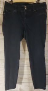 2 for 15 Torrid Dark Wash Skinny Jeans